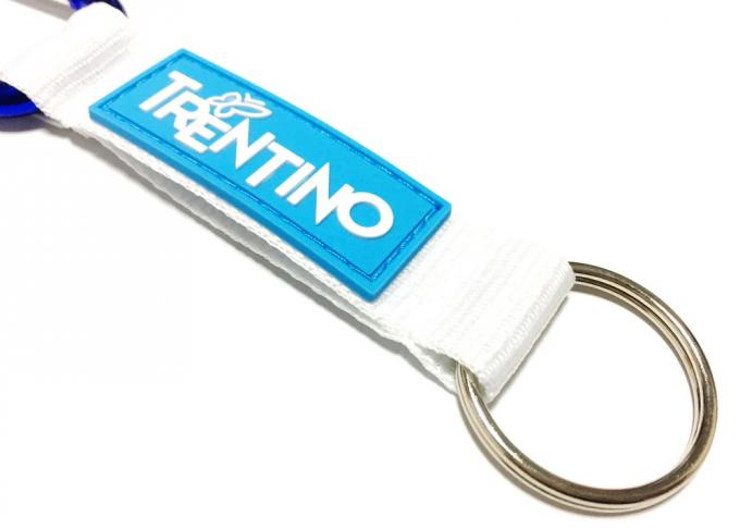 White Lanyard Sewing Rubber PVC Logo Custom Carabiner Keychain For Simple Brand